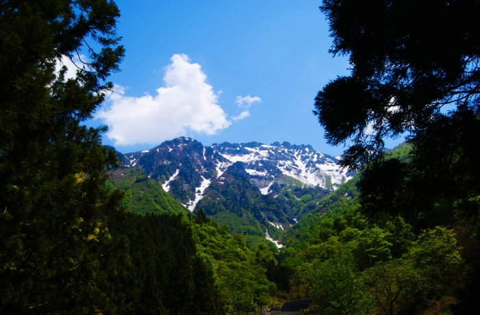 残雪の八海山